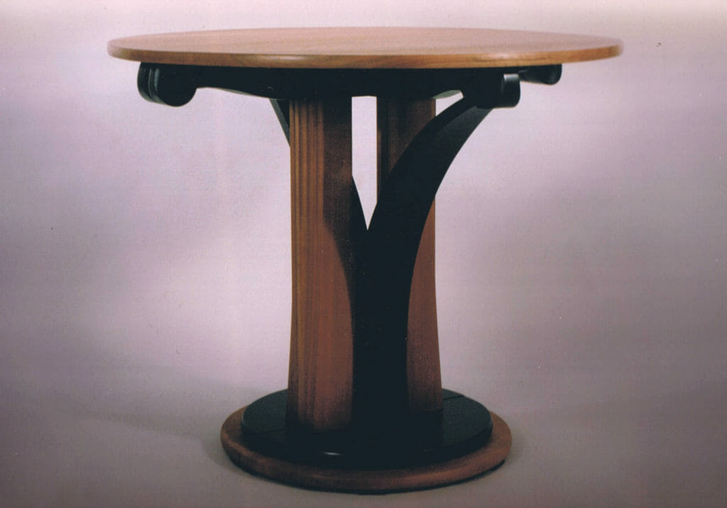 expandable round table